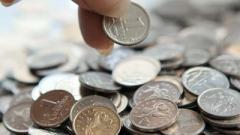 Жители ОРДО возмущены «праздниками»: просят выдать зарплату, а не разворачивать флаги