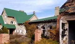 Очень сочувствую хозяевам: Житель Донецка показал, что в заброшенном доме в Спартаке