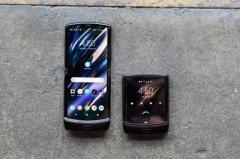 Motorola официально представила смартфон-раскладушку Razr 2019 (ВИДЕО)