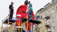 В Тернополе из памятника Пушкину сделали финского Деда Мороза