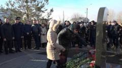 """В Мариуполе почтили память погибших во время обстрела """"Восточного"""""""