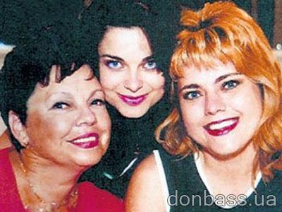 В семье Порывай в певицы прочили старшую сестру Иру (справа), а звездой стала младшая Наташа.