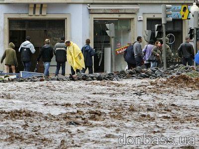 На Мадейре сильнейшее за 40 лет наводнение: десятки погибших (ФОТО)
