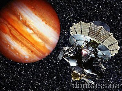 Юпитер и зонд «Галилео» (фото Roger Ressmeyer / Corbis).