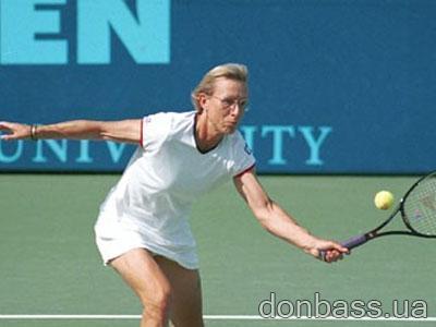 теннисистки в позе раком