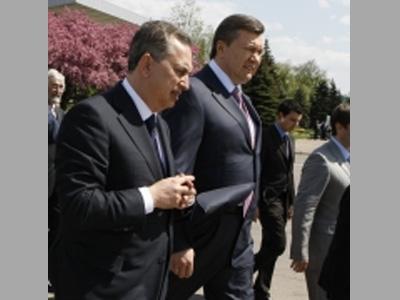 Янукович проконтролировал строительство аэропорта в Донецке