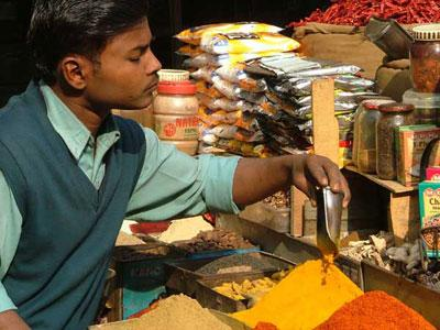 Индийская кухня - это горы специй.