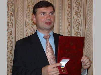 Донетчане получили ордена, медаль и звания от президента, а также премии от правительства