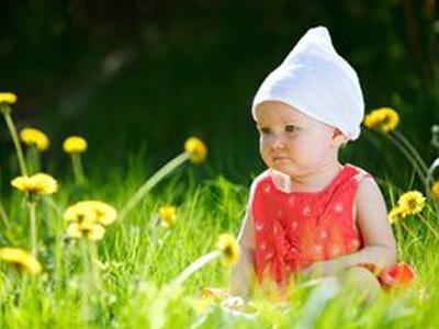 Как помочь новорожденному в жару