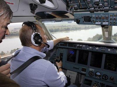 Как Путин на самолете-амфибии пожары тушил (ФОТО)