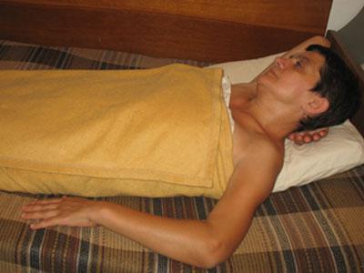 Во время процедуры Ирина старается выбросить из головы все тревоги.