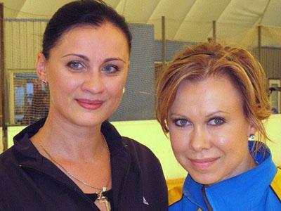2010 год. Мариуполь. Названные сестры Людмила Ткаченко и Оксана Баюл, встретившись много лет спустя, словно вернулись в свое детство.