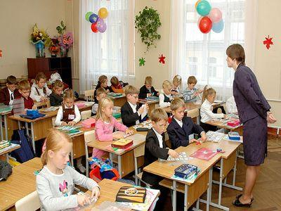 Донецк открыл в российской школе украиноязычный класс :: donbass ...