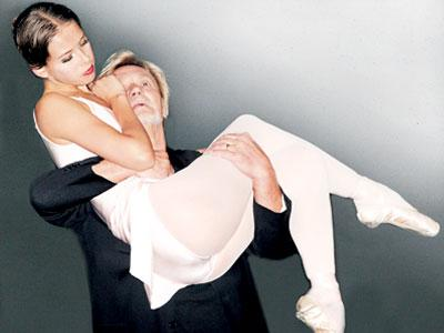 В своем первом за двадцать лет выходе на сцену Владимир Васильев взял в пару 18-летнюю солистку Большого театра Дарью Хохлову.