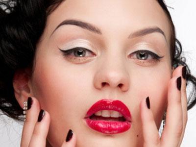 Ретро-макияж сделает вас неподражаемой и сексуальной.