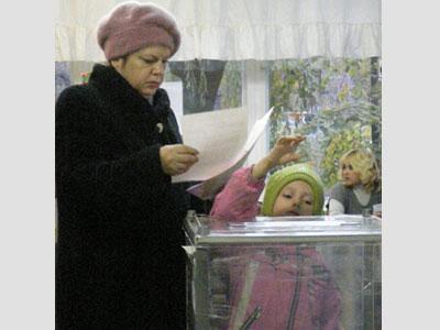 Даже маленькие мариупольцы стали участниками выборов.