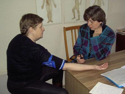 - Параллельно с сосудистой дистонией я привожу в порядок и остальные органы, - говорит Валентина Хоптюк из Макеевки. - Потратить десять дней на укрепление здоровья считаю для себя обязательным каждый год.
