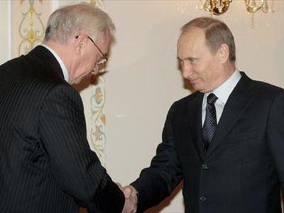 Сегодня Путин встретится с Азаровым