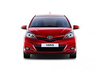 Toyota показала новый хэтчбек yaris фото
