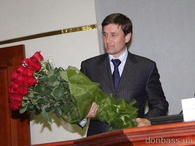 """Донецкий губернатор ищет людей, чтобы наградить их  """"Хрустальным сердцем"""""""
