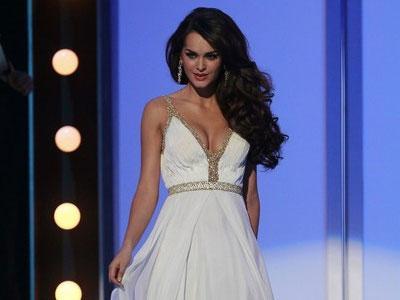 """""""Вице-мисс Вселенная"""" Олеся Стефанко в школе была отличницей и скромницей"""