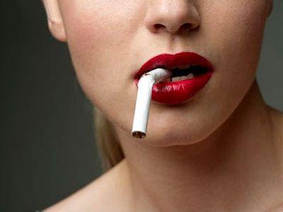 Для тех, кто курит фрукты опасны