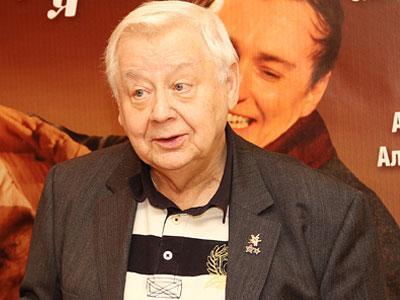 Олег Табаков, несмотря на возраст, откровенно признается, что лучше всего в этой жизни у него получается делать детей.
