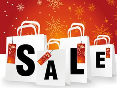 Люди боятся праздничных скидок и распродаж