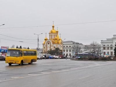 Перед зданием ж/д вокзала в Донецке открылся храм для путешествующих (ФОТО)