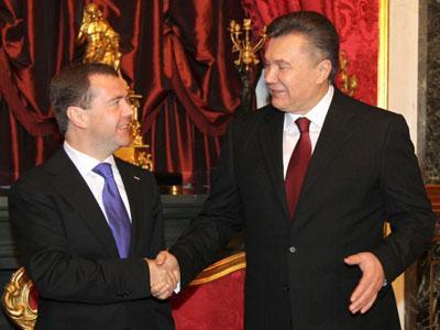 Виктор Янукович не раз встречался с коллегой Дмитрием Медведевым. А толку?