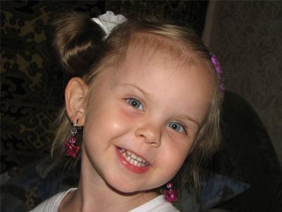 Если все мы поможем деньгами, славная девчушка Аннушка будет жить!