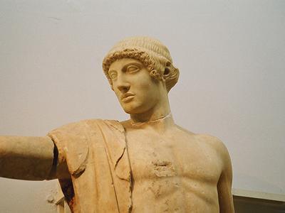 В Греции вооруженные бандиты ограбили археологический музей