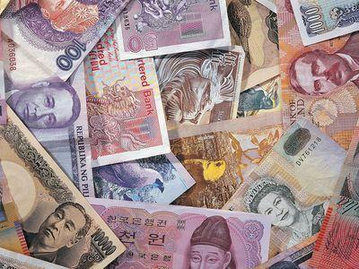Азаров рассказал, как Украина будет отдавать долги МВФ