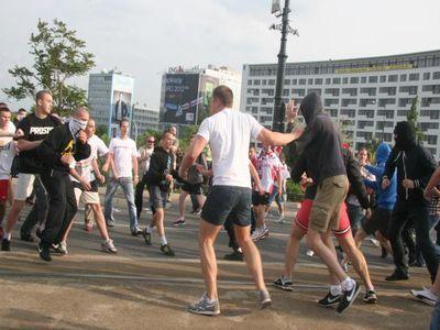 Матч Польша-Россия закончился массовыми беспорядками