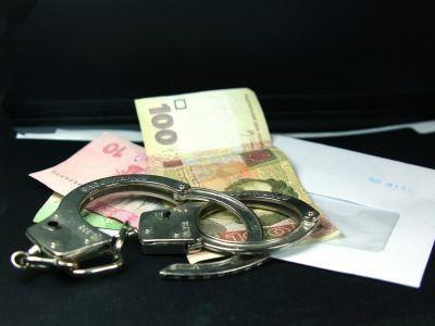 Госинспектор прекращал защищать права потребителей за взятки