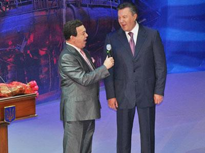 http://donbass.ua/multimedia/images/news/original/2012/07/06/yanykovich_kobzon.jpg