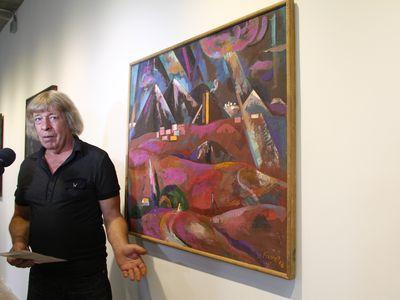 «Когда я писал свои полотна, не мог представить,  что когда-то они окажутся в такой замечательной компании работ молодых авторов. Это приятно!» - признался «Донбассу» художник Владимир Бауэр.