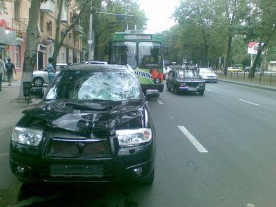 Двое дончан стали жертвами неадекватного поведения водителей (ФОТО)