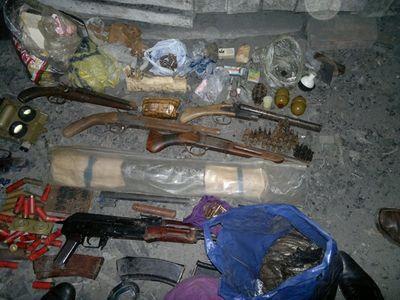 Владелец крупного оружейно-наркотического арсенала получил срок