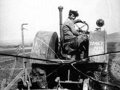 Эволюция трактора и его роль в общественной жизни