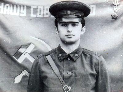 Лейтенант  Александр Пластовец.