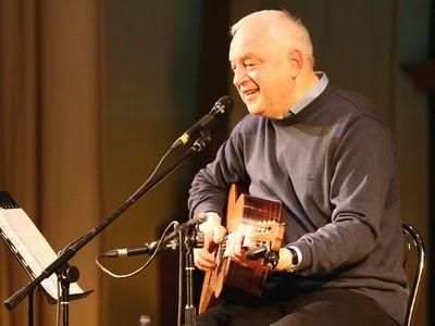 На концерте в Донецке Сергей Никитин порадовал поклонников премьерой новой песни на стихи Эдуарда Багрицкого «Арбуз».