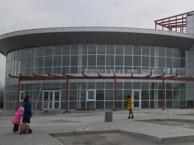 На «Западном» автовокзале наконец-то появился собственно автовокзал.  Чиновники уверяют, что в здании осталось провести только внутренние работы, и к осени оно откроется для пассажиров.