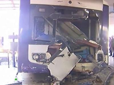 По словам очевидцев, машинист электропоезда мог уснуть.