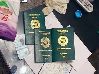 Иностранный студент привёз с собой сразу три паспорта (ФОТО)