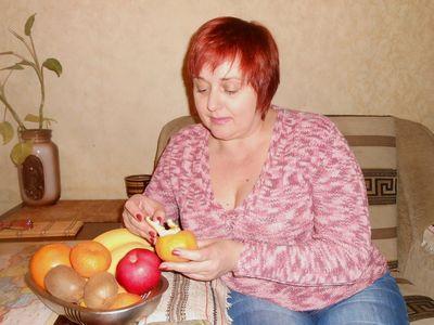 Виктория Дира ежедневно употребляет различные фрукты, и чувствует себя бодро на протяжении всего дня!