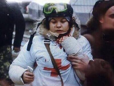Медик-волонтёр Олеся Жуковская пошла на поправку после ранения в шею