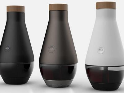 Изобретена чудо-машина, превращающая воду в вино (ВИДЕО)