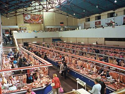 Чем грозят санкции: Москва может остаться без мяса и фруктов