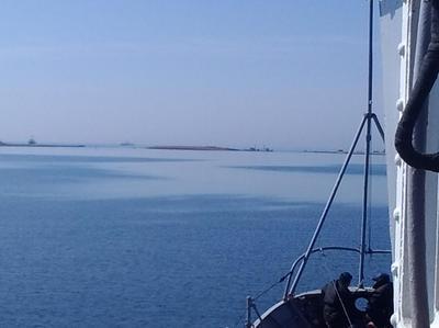 Россияне затопили очередное судно и окончательно перекрыли Донузлав (ВИДЕО)